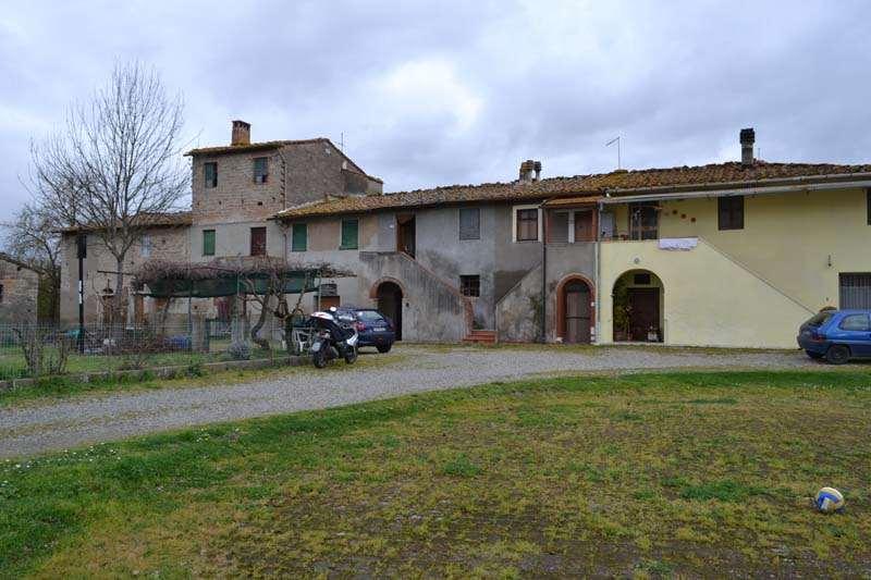 Appartamento in vendita a Capannoli, 5 locali, prezzo € 65.000 | Cambio Casa.it
