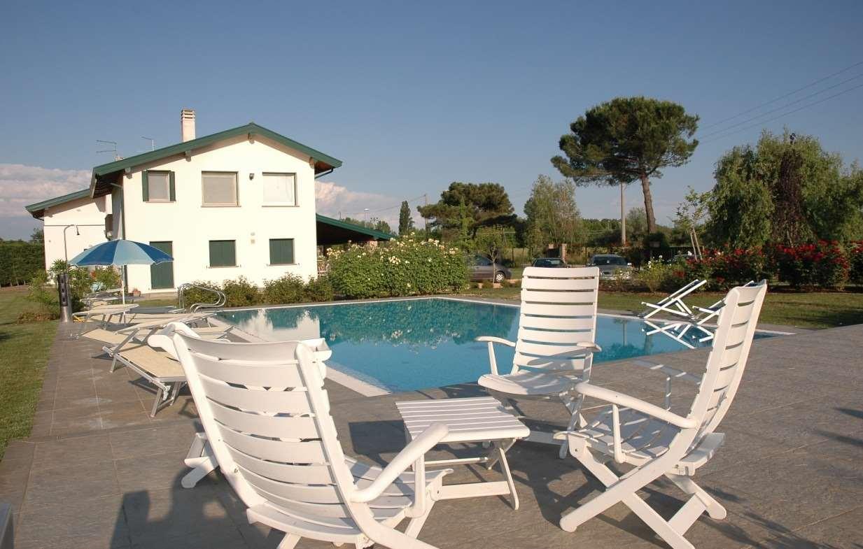 Villa in vendita a Precenicco, 14 locali, zona Zona: Titiano, prezzo € 800.000 | CambioCasa.it