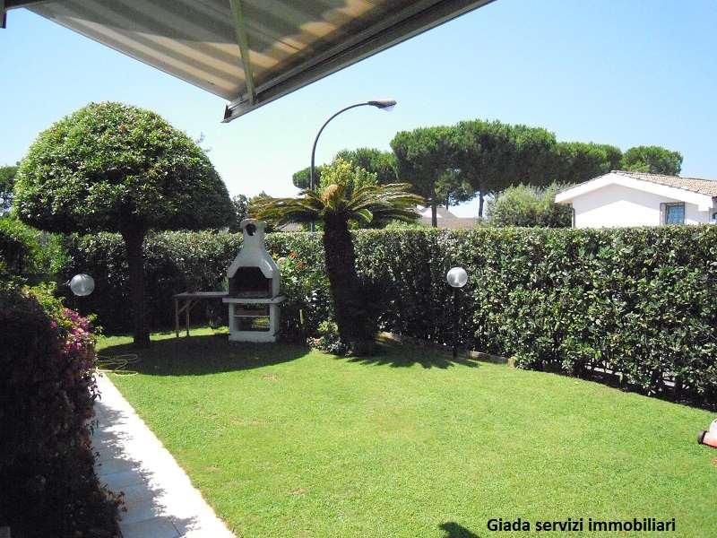 Villa in vendita a Formia, 10 locali, Trattative riservate | Cambio Casa.it