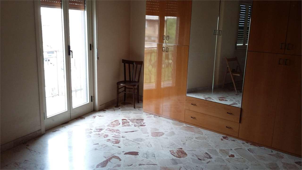 Appartamento in vendita a Carini, 3 locali, prezzo € 70.000 | Cambio Casa.it