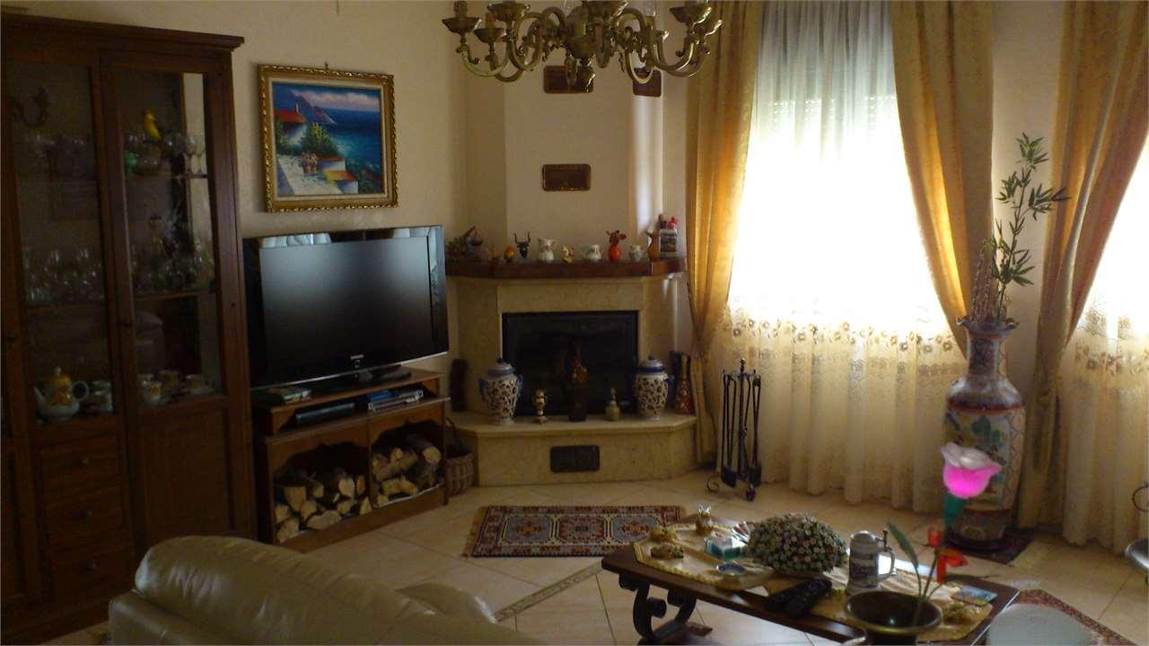 Appartamento in vendita a Carini, 4 locali, prezzo € 125.000 | Cambio Casa.it
