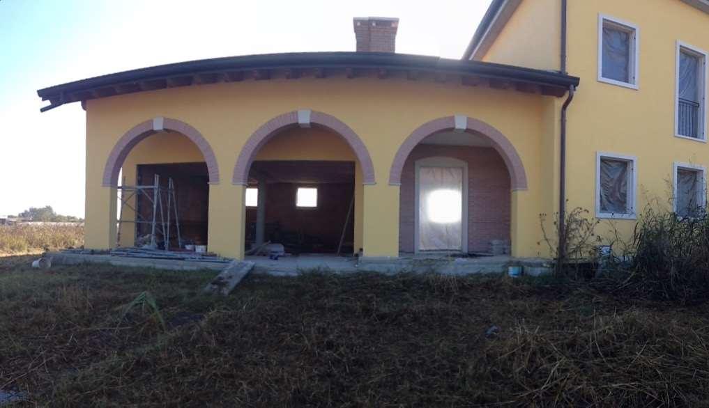 Appartamento in vendita a Castel d'Azzano, 10 locali, prezzo € 270.000 | Cambio Casa.it