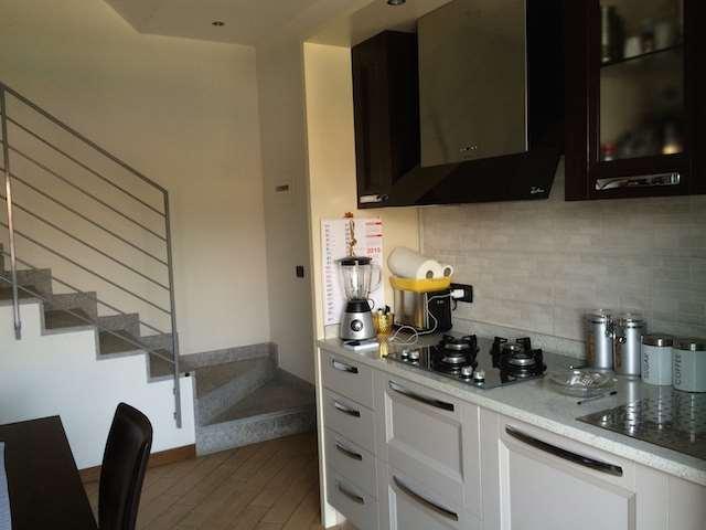 Appartamento in vendita a Cantù, 3 locali, prezzo € 150.000 | Cambio Casa.it