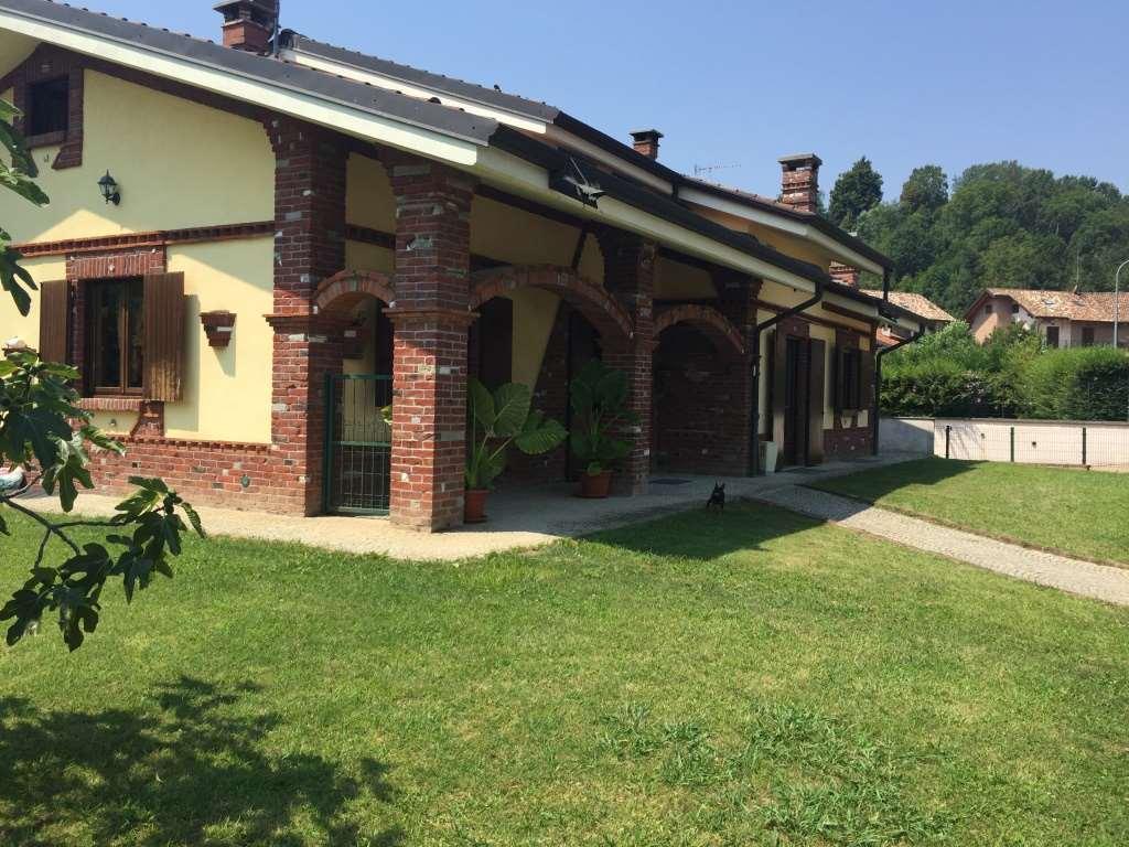 Villa in vendita a Castiglione Torinese, 7 locali, prezzo € 680.000 | Cambio Casa.it