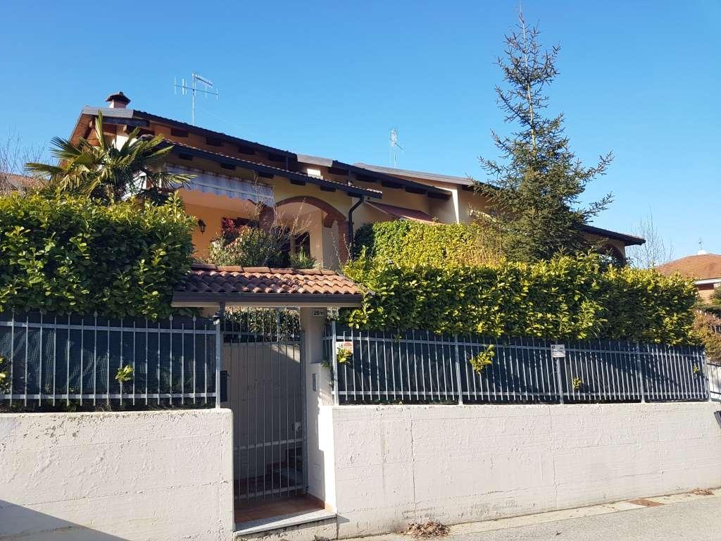 Villa in vendita a Castiglione Torinese, 6 locali, prezzo € 450.000 | Cambio Casa.it