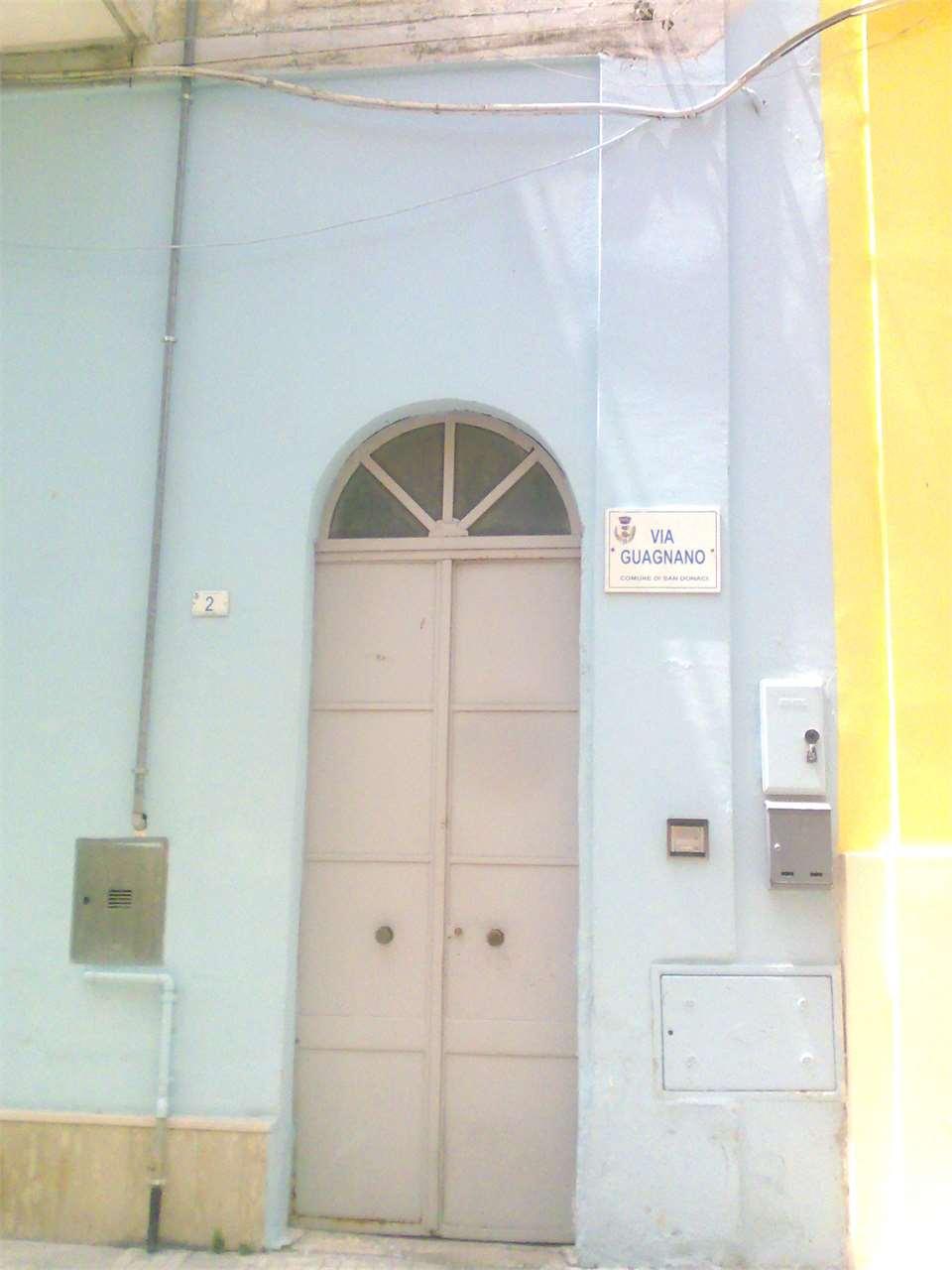 Soluzione Indipendente in vendita a San Donaci, 5 locali, prezzo € 120.000 | Cambio Casa.it