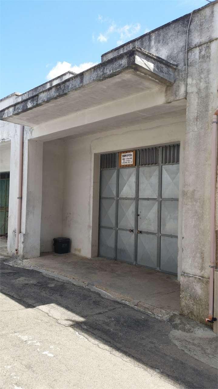 Box / Garage in vendita a Guagnano, 1 locali, prezzo € 40.000 | Cambio Casa.it
