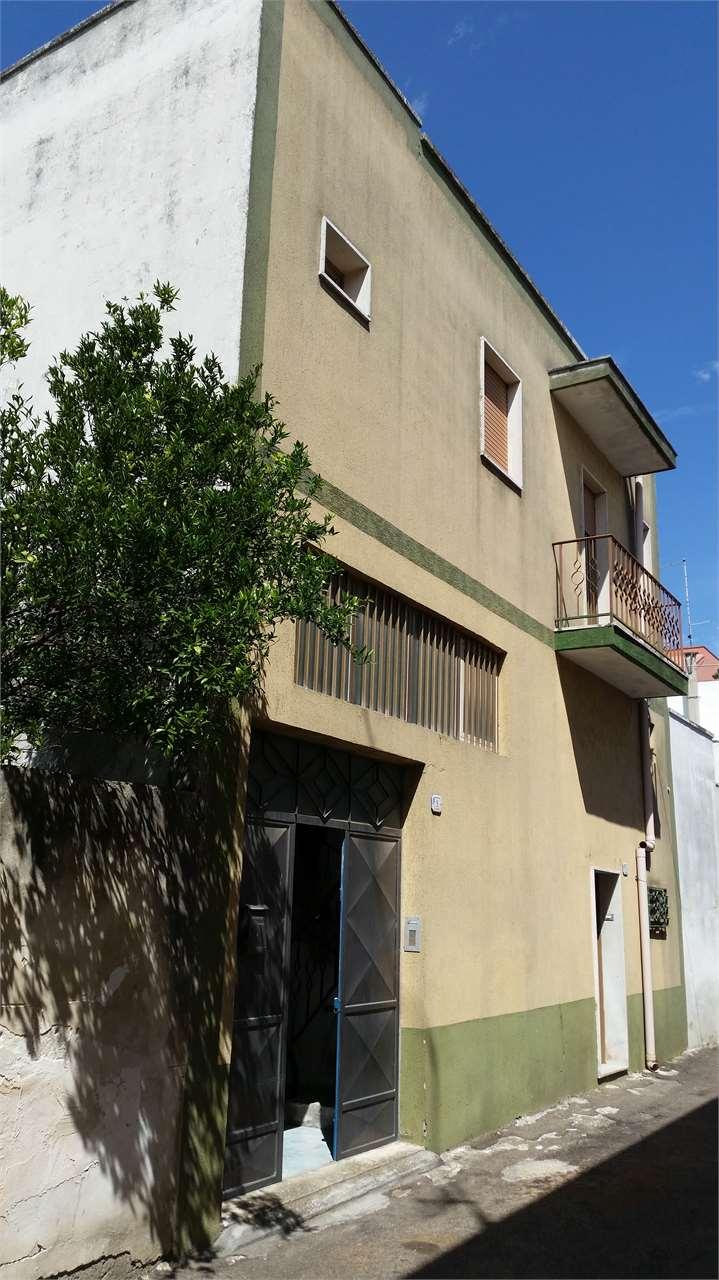 Soluzione Indipendente in vendita a Guagnano, 6 locali, prezzo € 130.000 | Cambio Casa.it