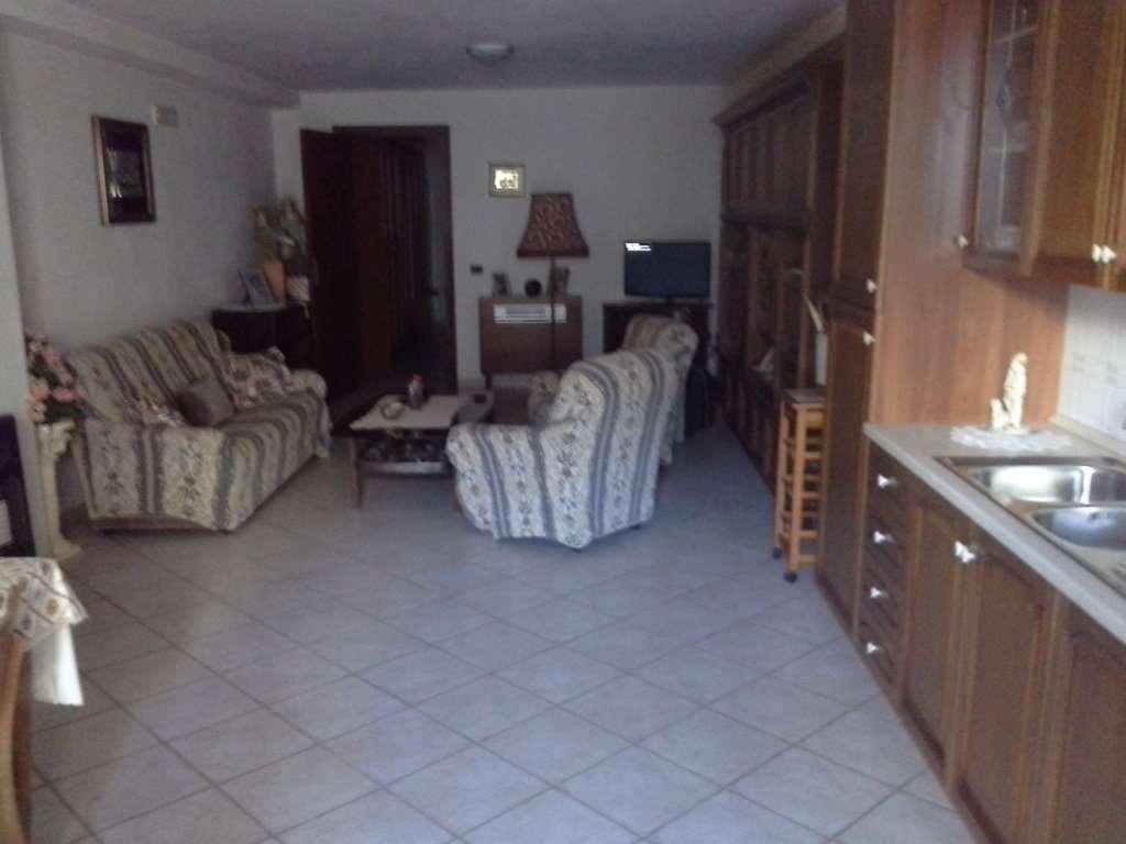 Soluzione Indipendente in vendita a Marsala, 10 locali, zona Zona: Strasatti, prezzo € 250.000 | Cambio Casa.it