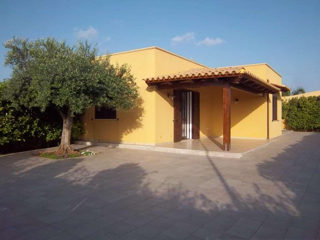 Villa in vendita a Marsala, 3 locali, zona Località: Zona mare lato Mazara del Vallo, prezzo € 210.000 | Cambio Casa.it