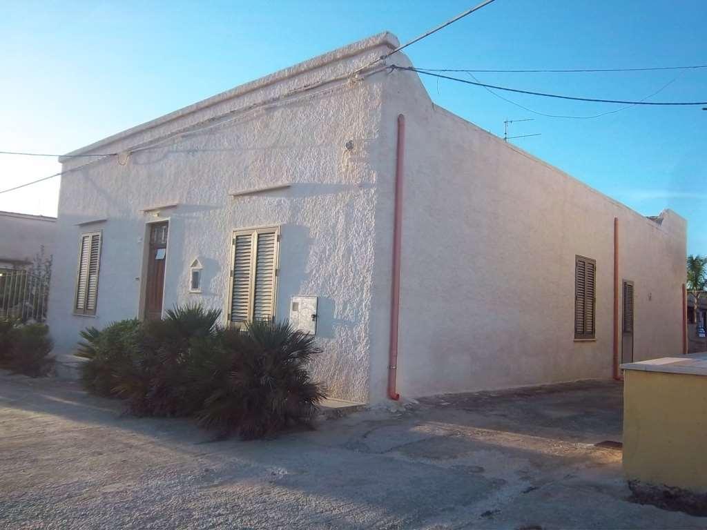 Soluzione Indipendente in vendita a Marsala, 5 locali, zona Località: Periferia lato Salemi, prezzo € 65.000 | Cambio Casa.it