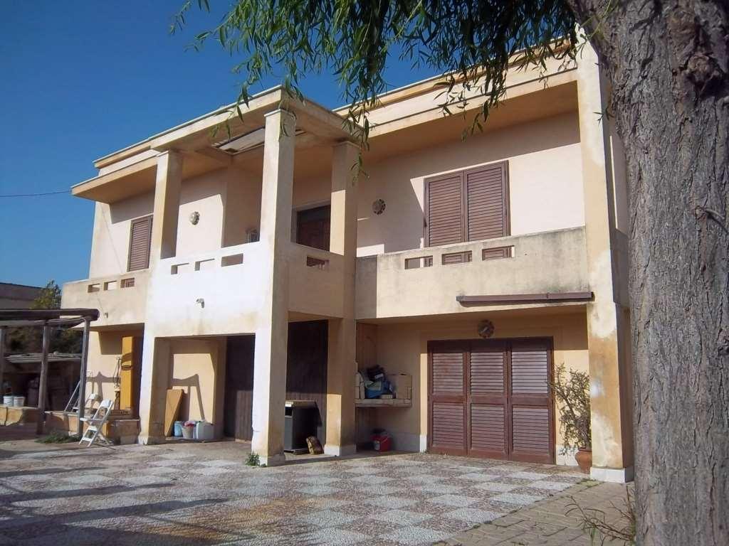 Villa in vendita a Marsala, 7 locali, zona Località: Periferia lato Salemi, prezzo € 250.000 | Cambio Casa.it