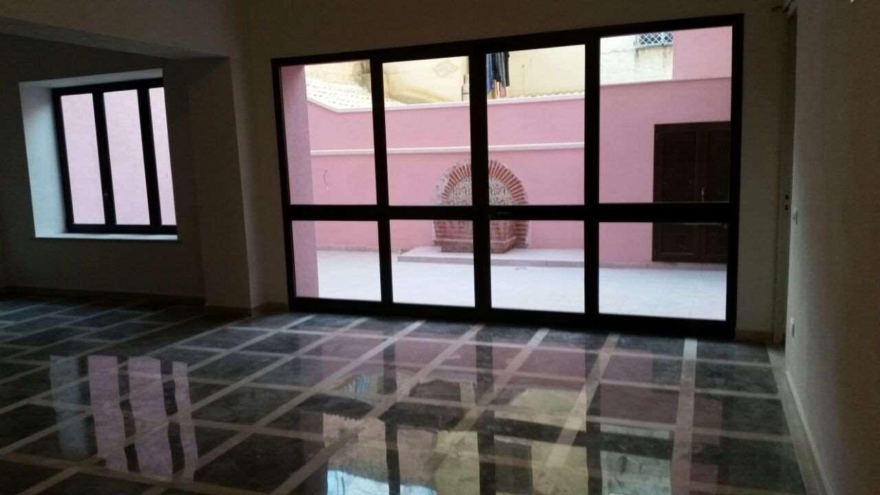 Palazzo / Stabile in vendita a Marsala, 7 locali, zona Località: Centro storico, prezzo € 350.000 | CambioCasa.it