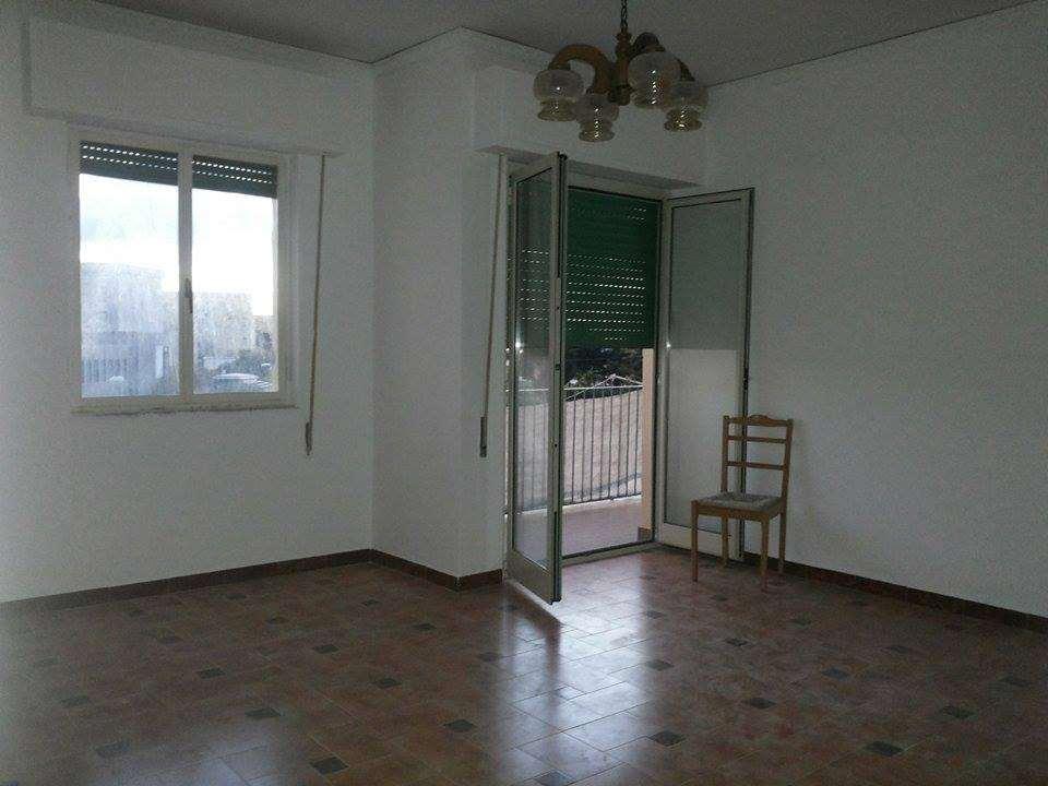 Appartamento in vendita a Marsala, 4 locali, zona Località: Centro, prezzo € 50.000   Cambio Casa.it