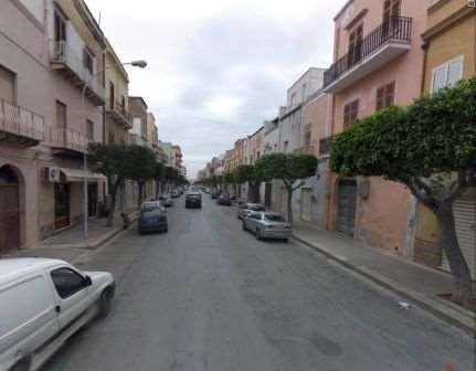 Negozio / Locale in vendita a Marsala, 2 locali, zona Località: Centro, prezzo € 400.000 | Cambio Casa.it