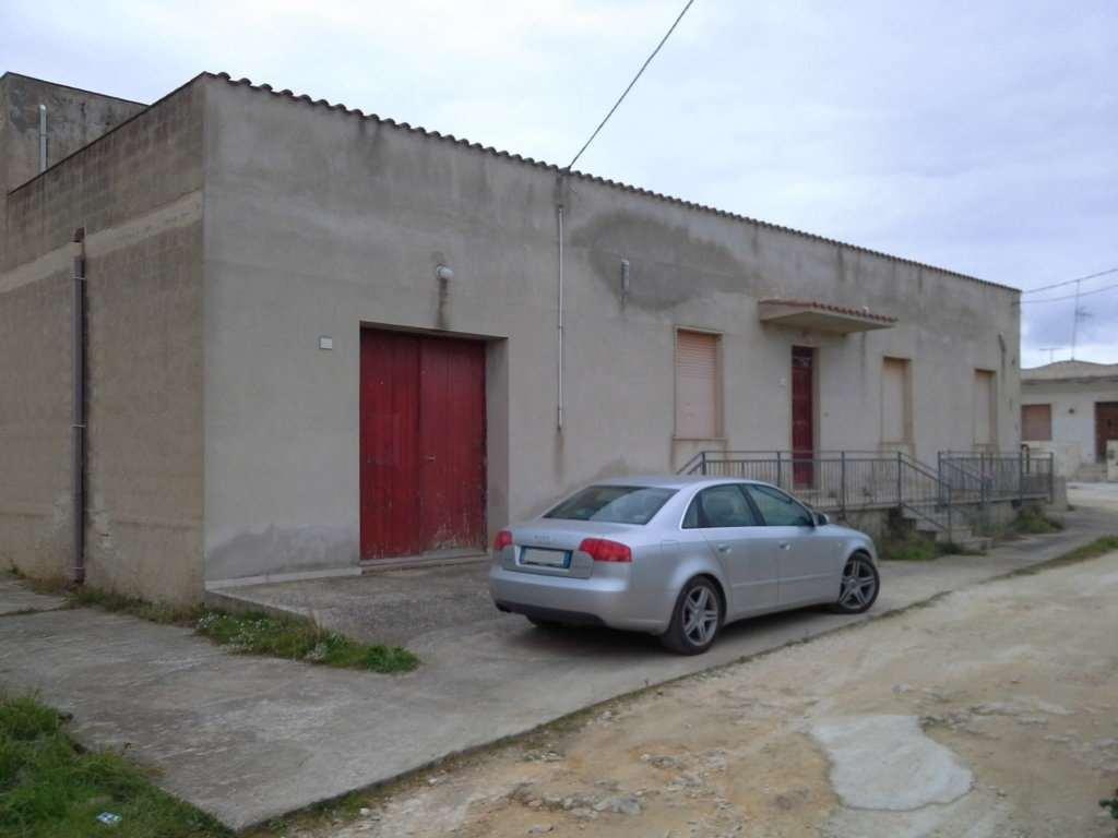 Soluzione Indipendente in vendita a Marsala, 5 locali, zona Località: Periferia lato Salemi, prezzo € 150.000 | Cambio Casa.it