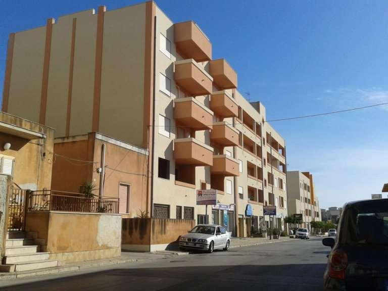 Negozio / Locale in vendita a Marsala, 2 locali, zona Località: Centro, prezzo € 420.000 | Cambio Casa.it
