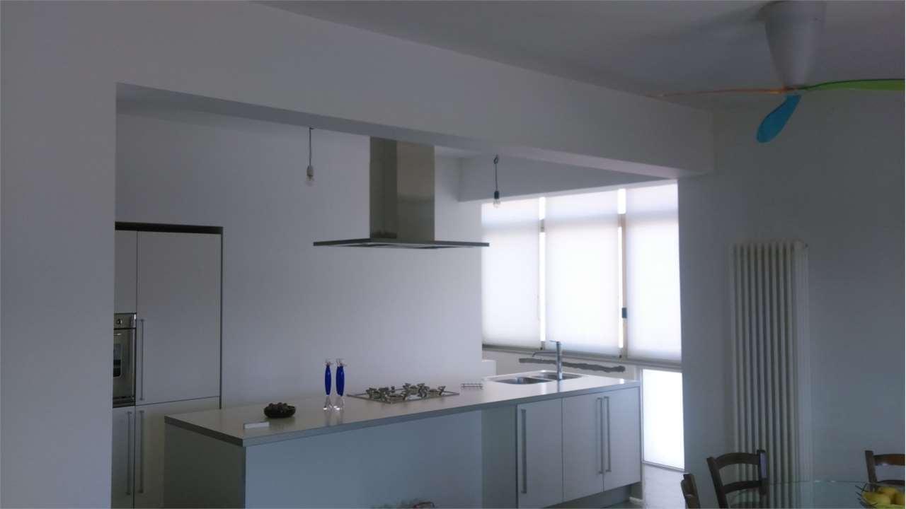 Appartamento in vendita a Marsala, 4 locali, zona Località: Centro, Trattative riservate | Cambio Casa.it