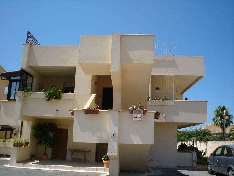 Appartamento in vendita a Marsala, 3 locali, zona Località: Zona mare lato Mazara del Vallo, prezzo € 90.000 | CambioCasa.it
