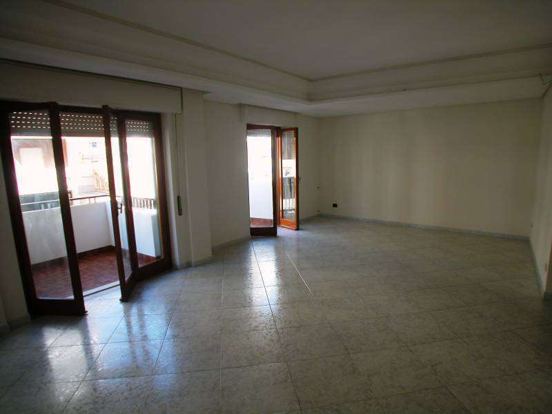Appartamento in vendita a Marsala, 4 locali, zona Località: Centro, prezzo € 240.000 | CambioCasa.it