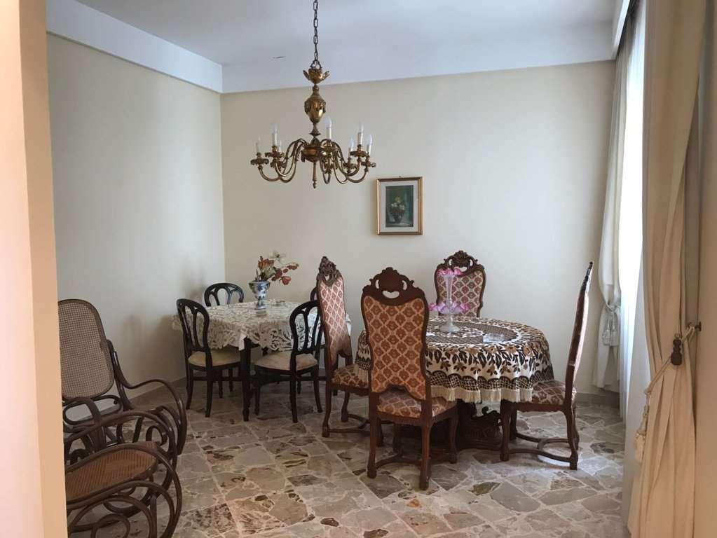 Palazzo / Stabile in vendita a Marsala, 9 locali, zona Località: Centro, prezzo € 330.000 | CambioCasa.it