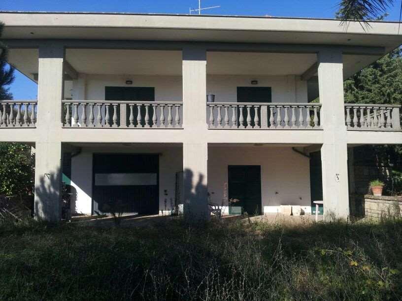Villa in Vendita a Lanuvio