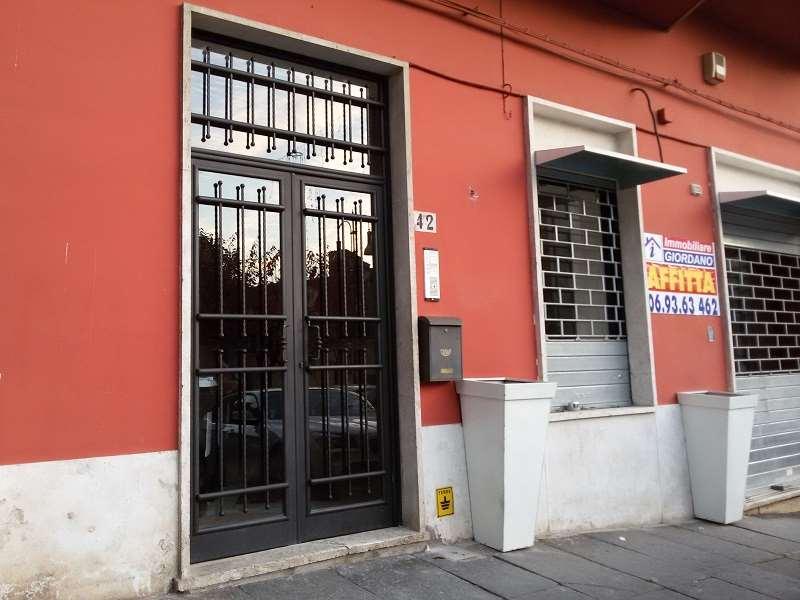 Ufficio / Studio in affitto a Genzano di Roma, 4 locali, zona Località: Centro, prezzo € 700 | Cambio Casa.it