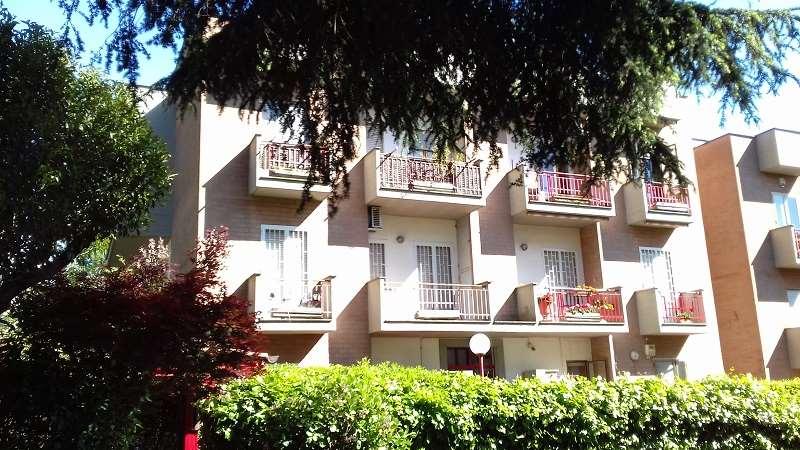 Appartamento in vendita a Genzano di Roma, 5 locali, zona Località: Coop, prezzo € 220.000 | Cambio Casa.it