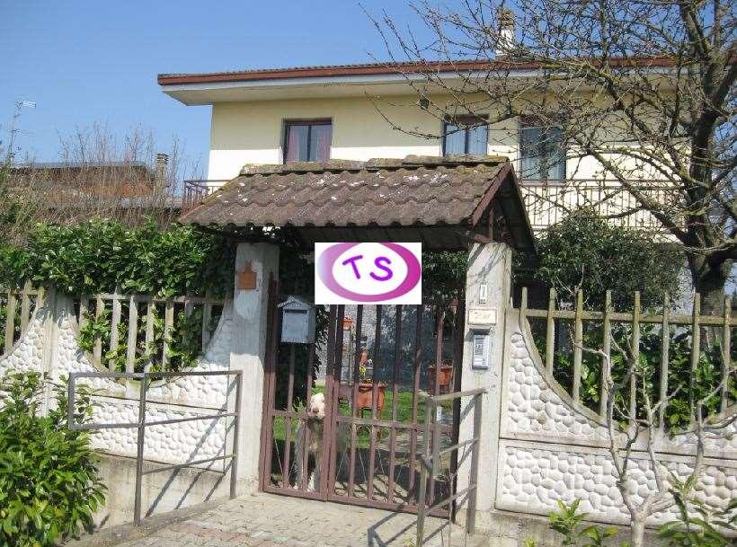 Villa in vendita a Villanova Monferrato, 8 locali, Trattative riservate | CambioCasa.it
