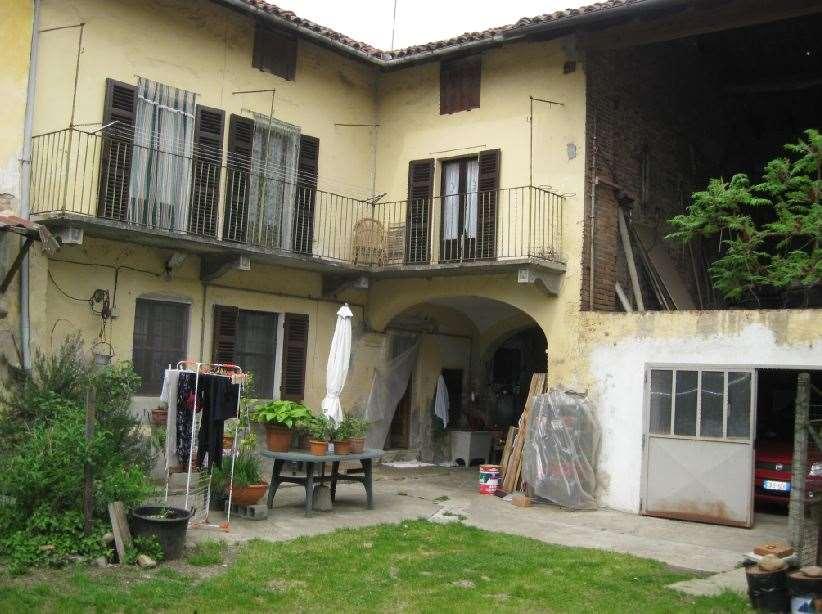 Soluzione Indipendente in vendita a Pontestura, 9 locali, prezzo € 45.000 | CambioCasa.it