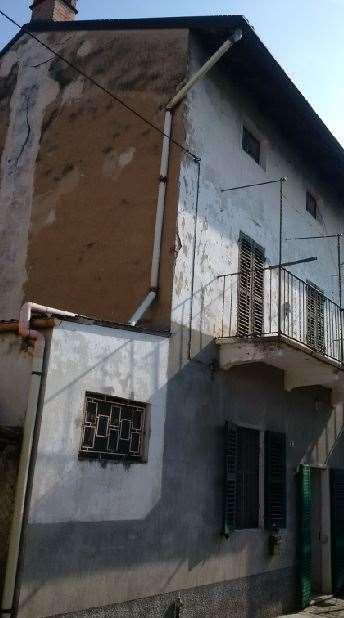 Appartamento in vendita a Morano sul Po, 4 locali, zona Zona: Due Sture, prezzo € 30.000 | Cambio Casa.it