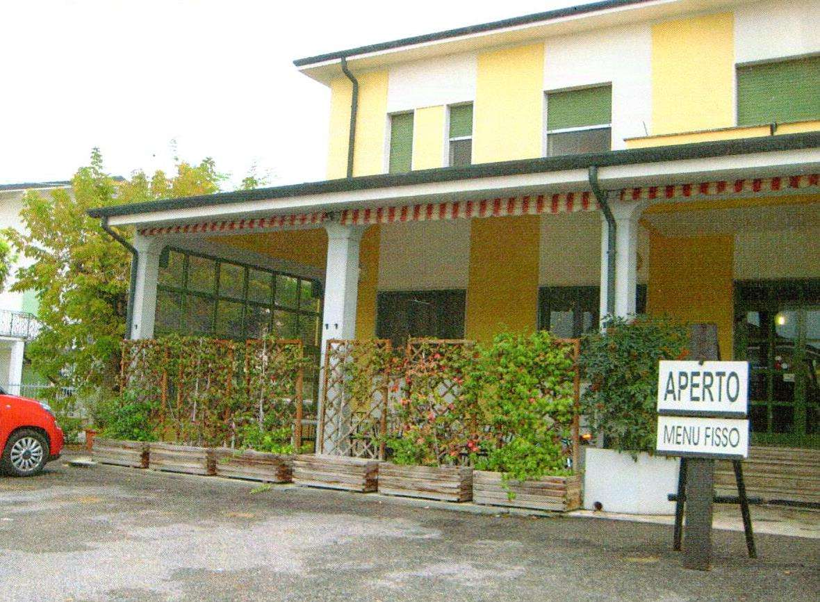 Attività / Licenza in vendita a Mantova, 9999 locali, Trattative riservate | CambioCasa.it