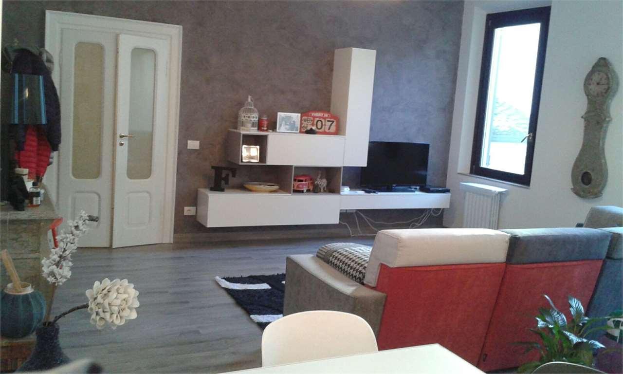 Appartamento in vendita a Mantova, 2 locali, zona Zona: Centro storico, prezzo € 170.000 | Cambio Casa.it