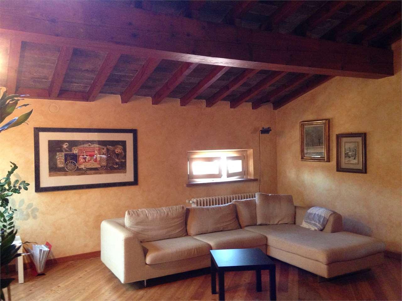 Appartamento in vendita a Mantova, 5 locali, zona Zona: Centro storico, prezzo € 500.000 | CambioCasa.it