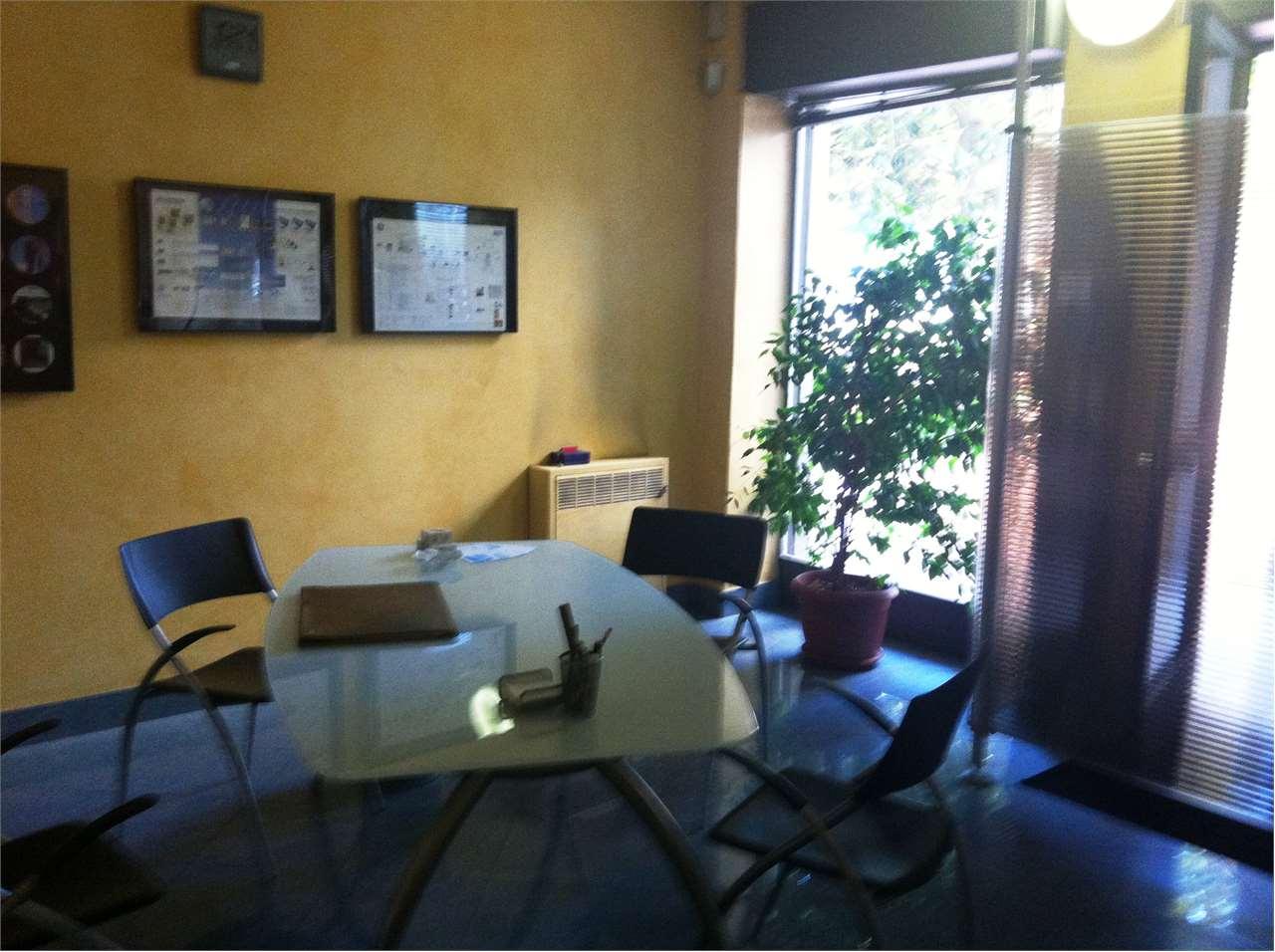 Negozio / Locale in vendita a Lipomo, 1 locali, prezzo € 69.000 | Cambio Casa.it