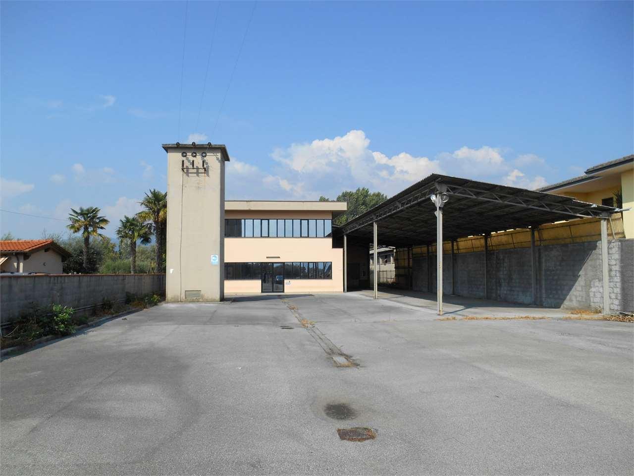 Capannone in vendita a Capannori, 15 locali, prezzo € 420.000 | Cambio Casa.it