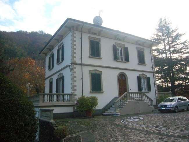 Villa in vendita a Bagni di Lucca, 16 locali, prezzo € 1.560.000 | CambioCasa.it