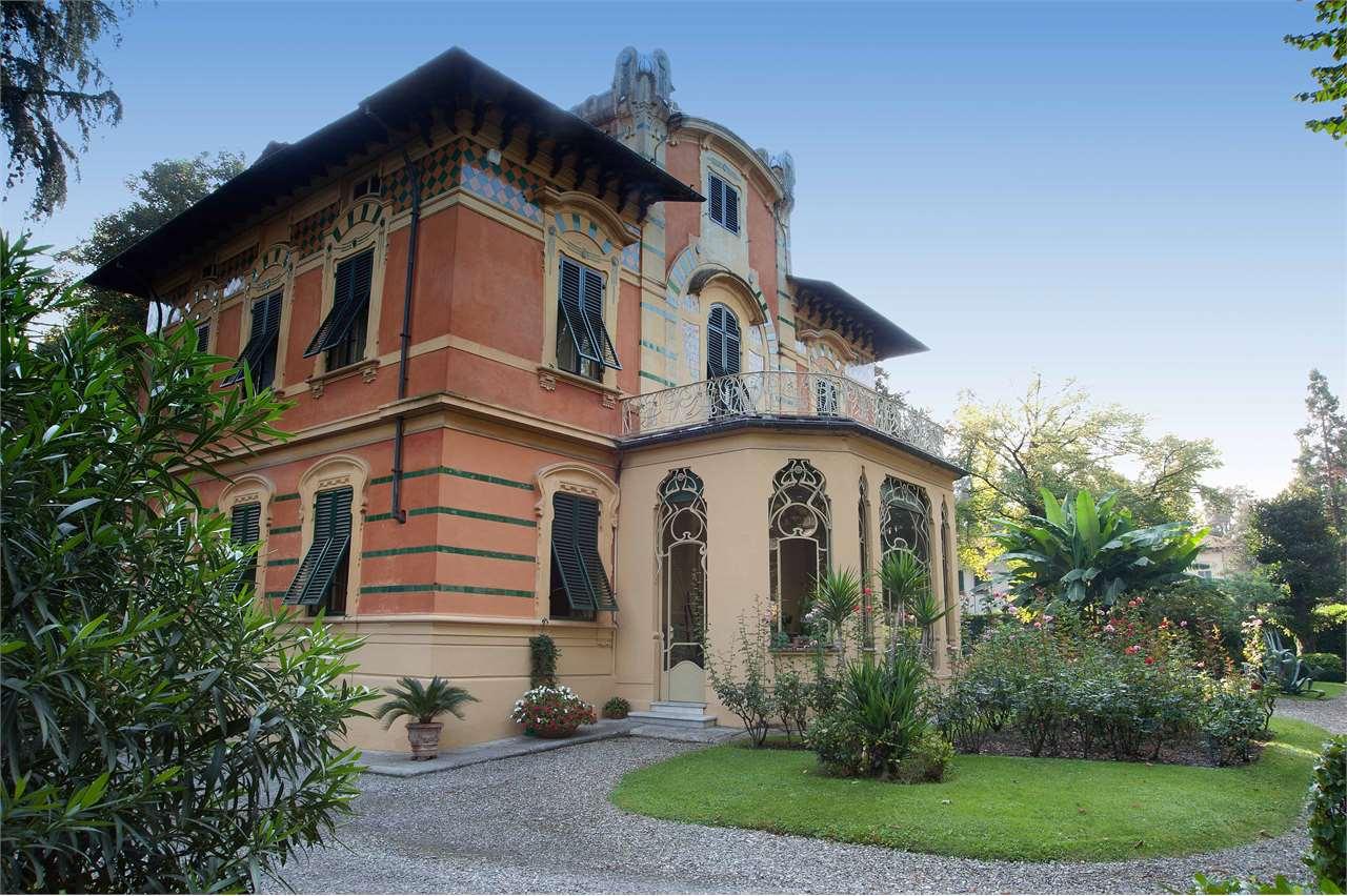 Villa in vendita a Lucca, 20 locali, Trattative riservate | Cambio Casa.it