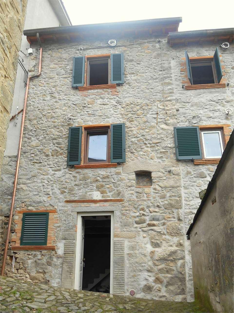Rustico / Casale in vendita a Borgo a Mozzano, 6 locali, prezzo € 130.000 | Cambio Casa.it