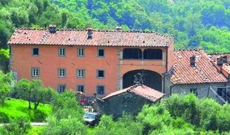 Villa in vendita a Bagni di Lucca, 30 locali, prezzo € 1.650.000 | Cambio Casa.it