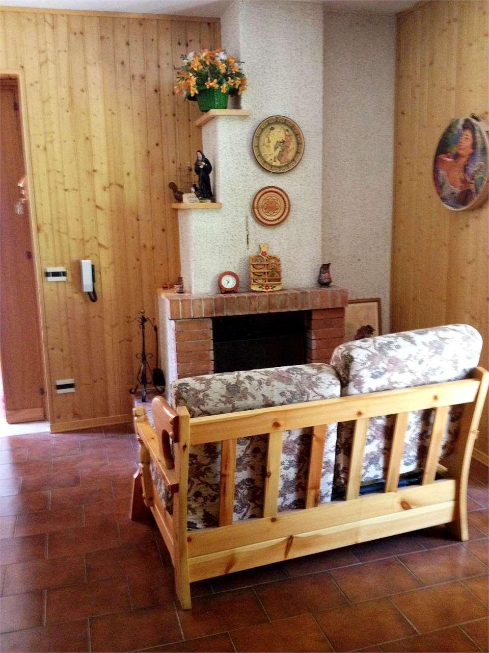 Appartamento in vendita a Spezzano della Sila, 3 locali, prezzo € 49.000 | Cambio Casa.it
