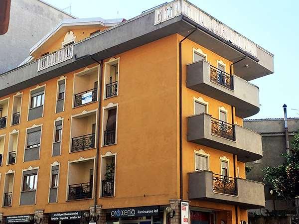 Appartamento in vendita a Cosenza, 4 locali, prezzo € 128.000 | Cambio Casa.it