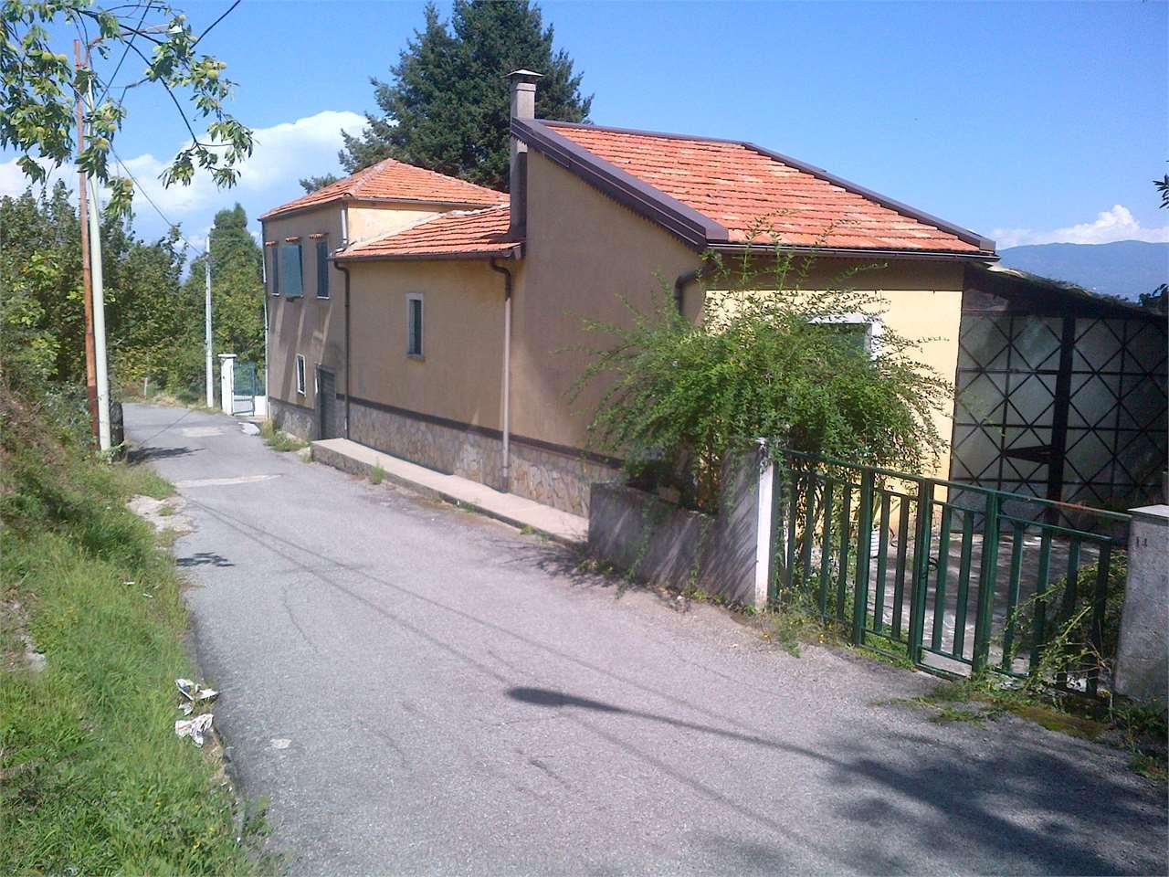 Soluzione Indipendente in vendita a Cerisano, 7 locali, prezzo € 59.000 | Cambio Casa.it
