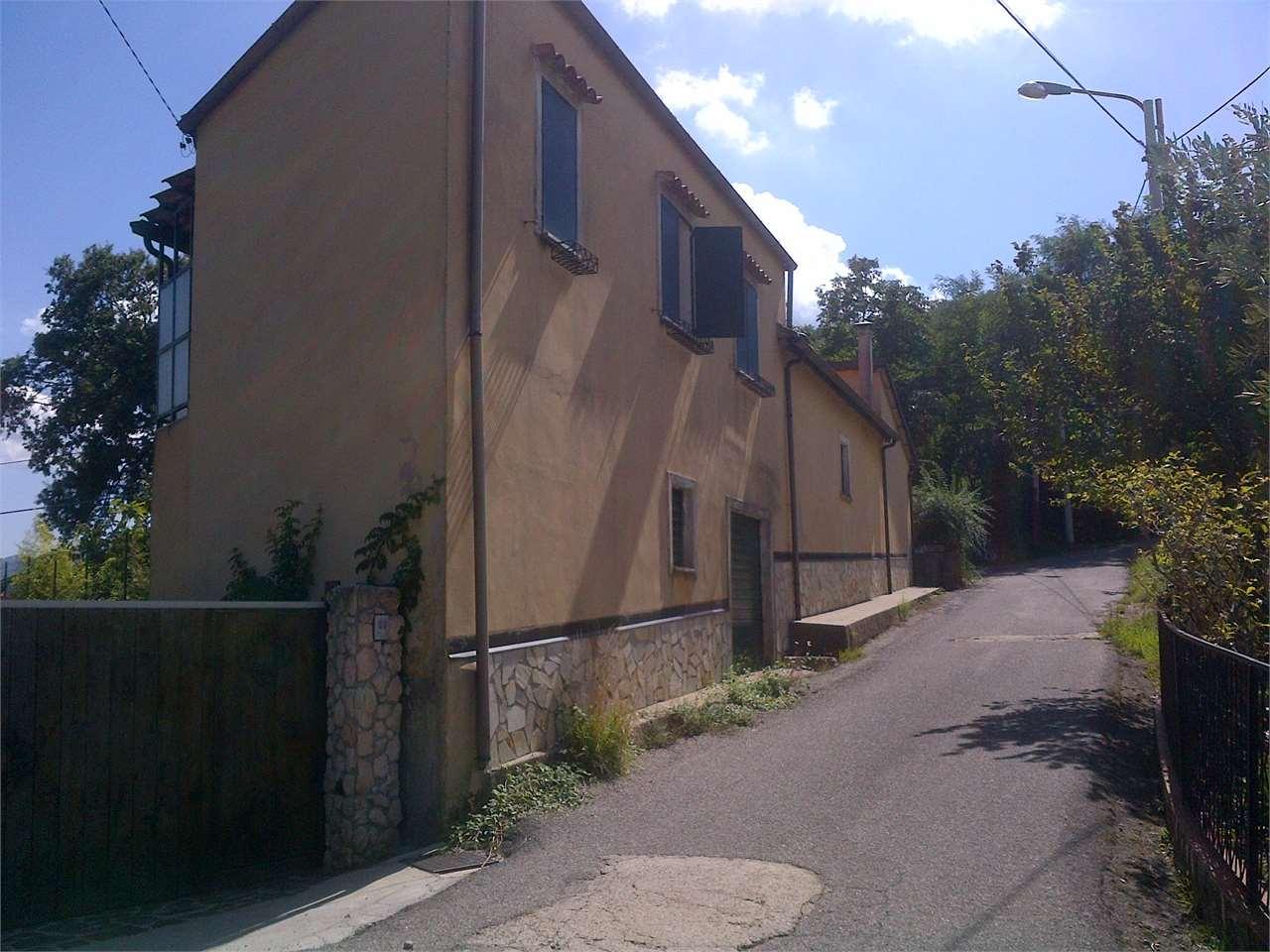 Cerisano Vendita Villa Immagine 2