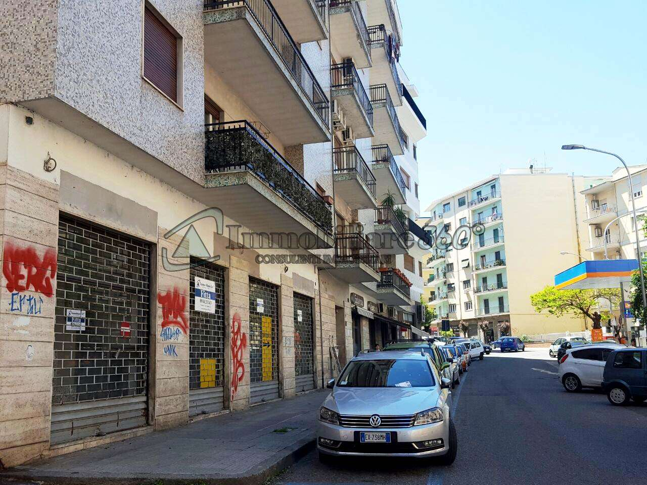 Magazzino in affitto a Cosenza, 9999 locali, prezzo € 1.700 | Cambio Casa.it