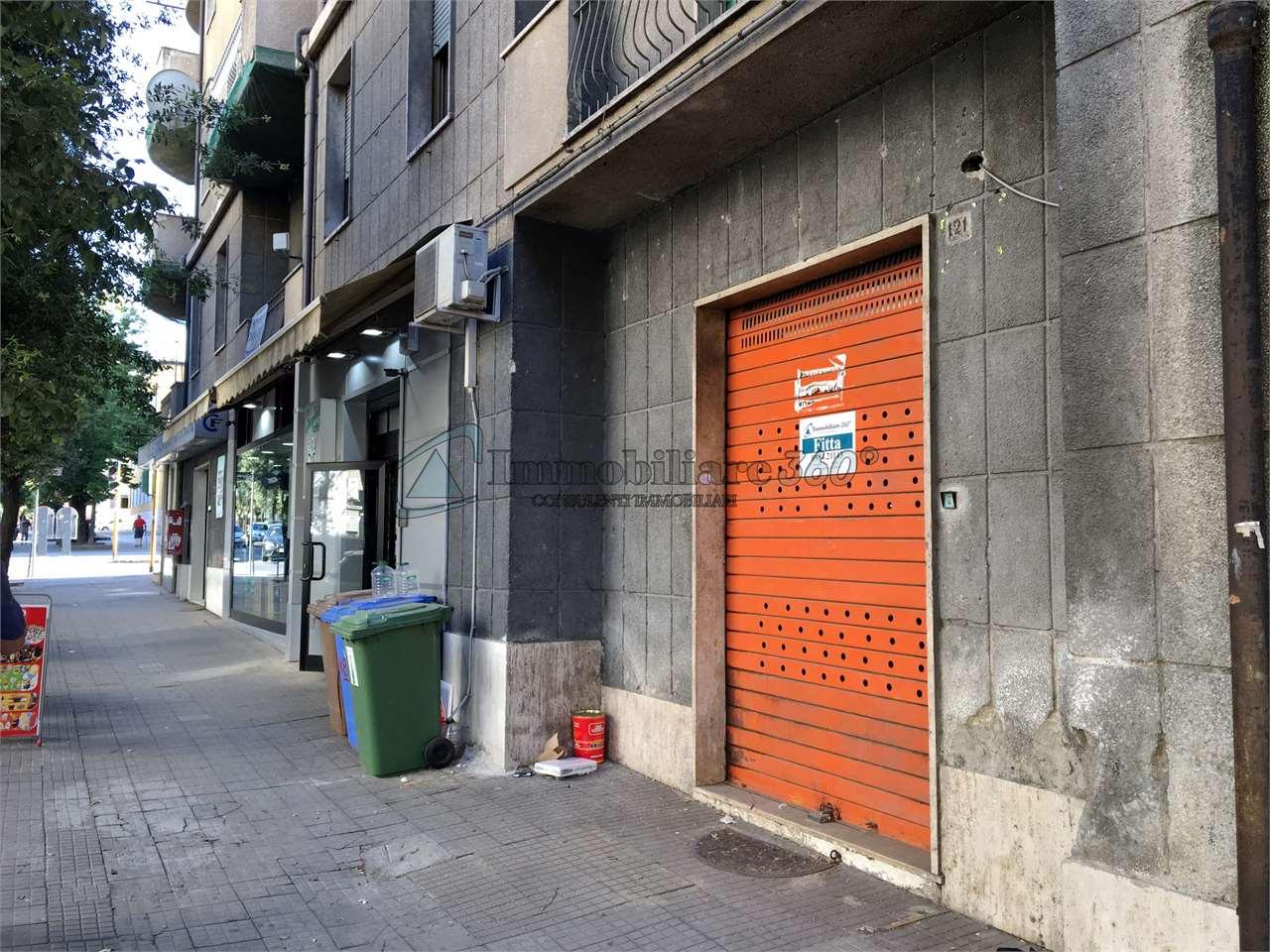 Magazzino in affitto a Cosenza, 1 locali, zona Zona: Via Roma, prezzo € 400   Cambio Casa.it
