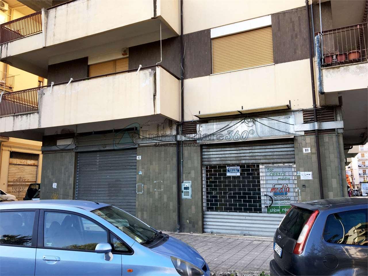 Magazzino in affitto a Cosenza, 9999 locali, prezzo € 1.000   Cambio Casa.it