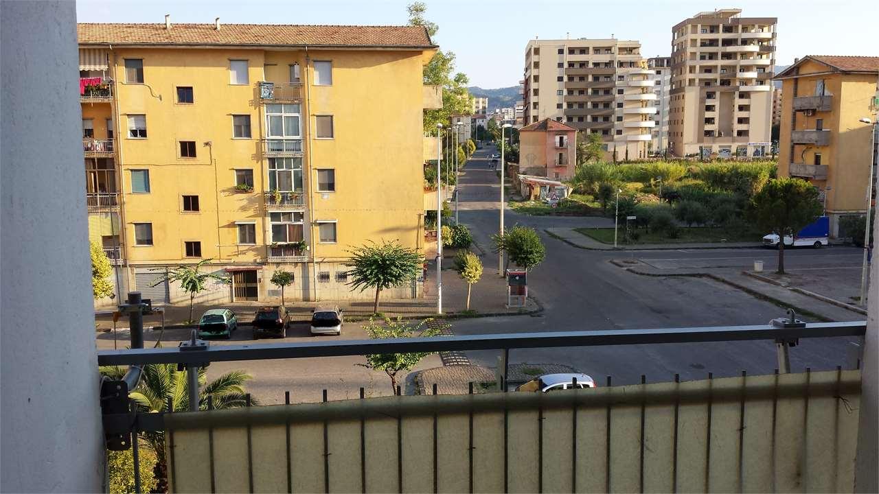 Appartamento in vendita a Cosenza, 3 locali, prezzo € 90.000 | Cambio Casa.it