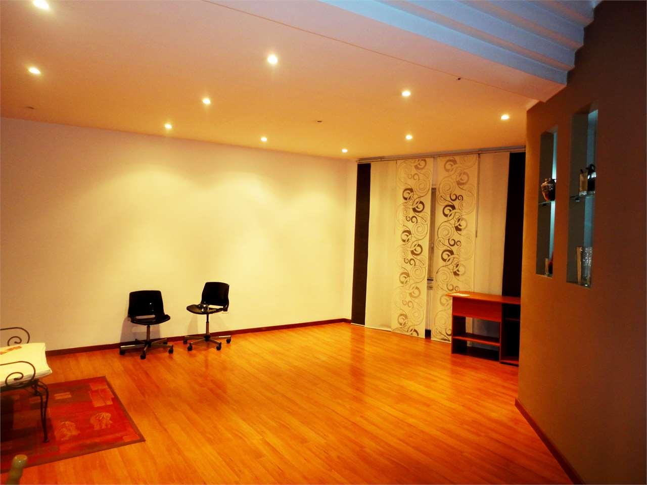 Appartamento in vendita a Cosenza, 3 locali, zona Località: Piazza Europa, prezzo € 120.000 | Cambio Casa.it