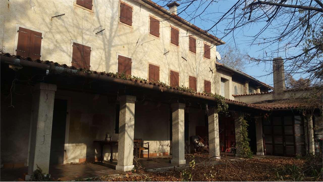 Rustici/Casali/Masserie in vendita a Tarzo - Attico.it
